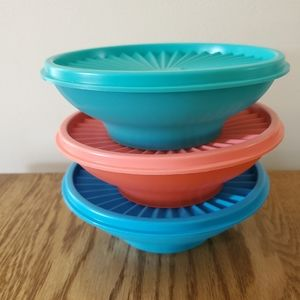 New Set of 3-16 oz Tupperware Servalier bowls